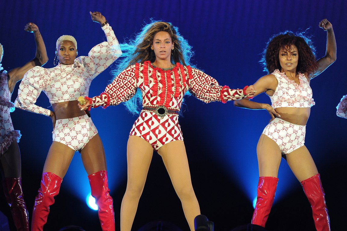 beyonce-formation-tour-outfit-2016-miami-splash